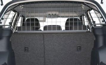 Rejas de seguridad para llevar al perro en el coche